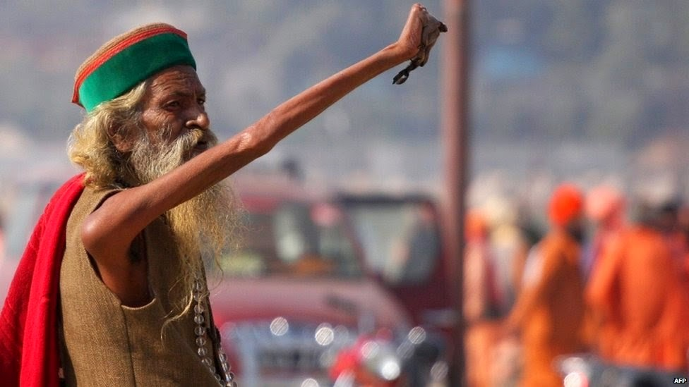 Sadhu Amar Bharati Raised Arm In Salute For World Peace, causing it to wither away and become useless